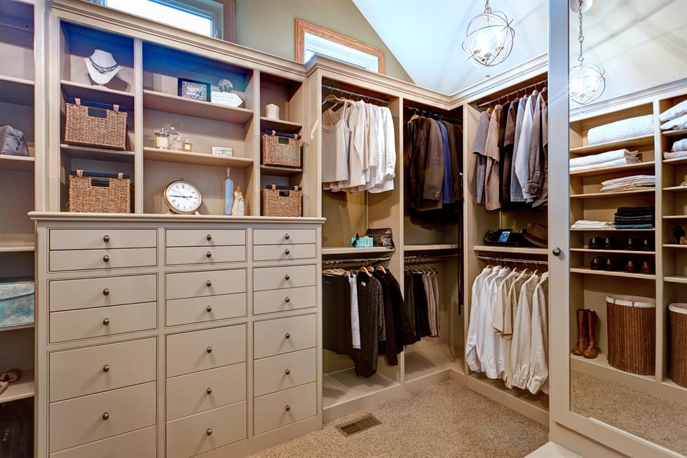 luxurious and space efficient closet design be inspired