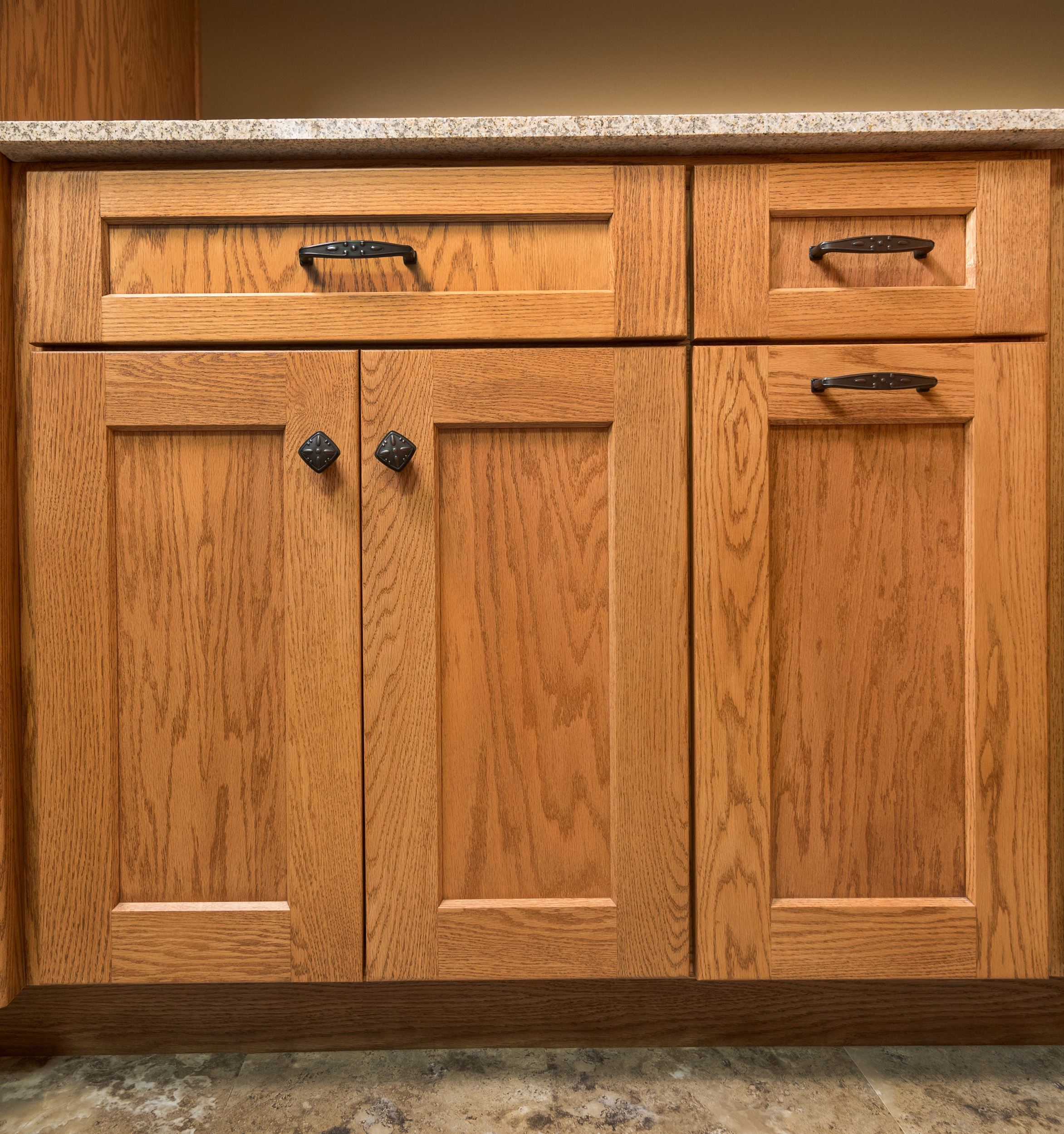 Kitchen Drawers Vs Cabinets: Custom Wood Products